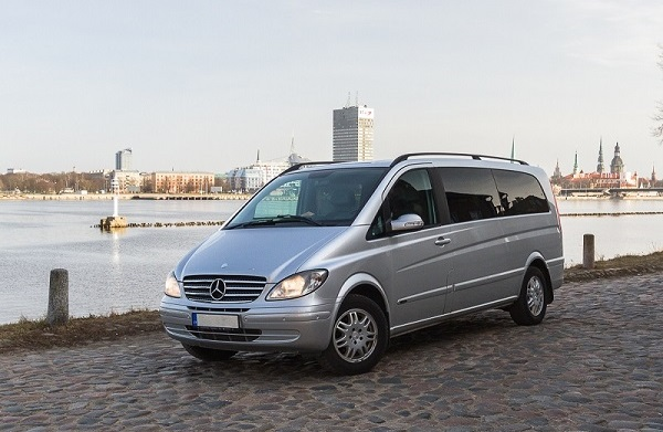 Minivan transfers Riga