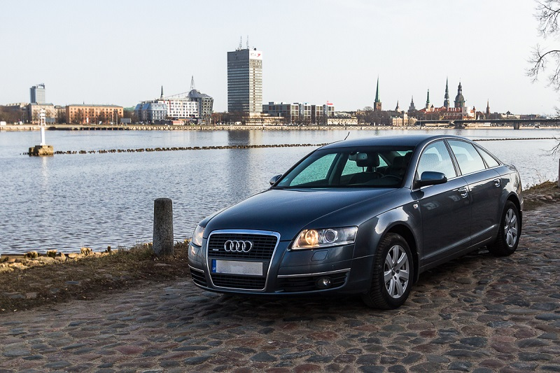 Private Riga airport transfer