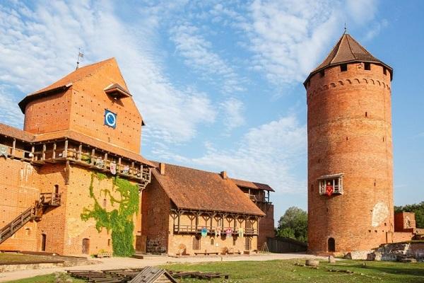 Day tour to Sigulda Turaida castle